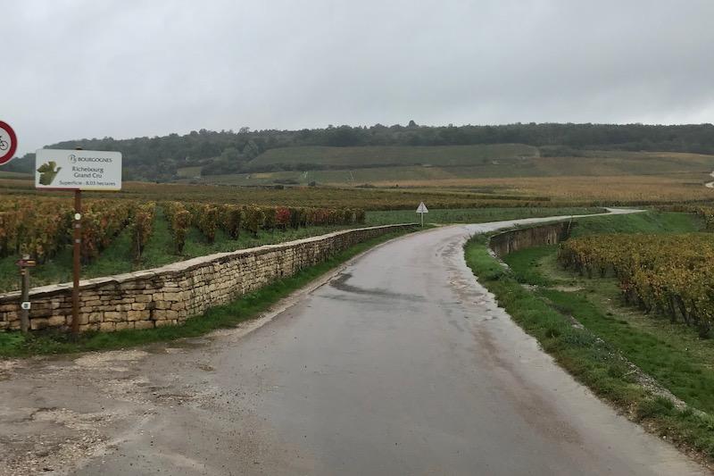 Gråvej i nord ved Richebourg